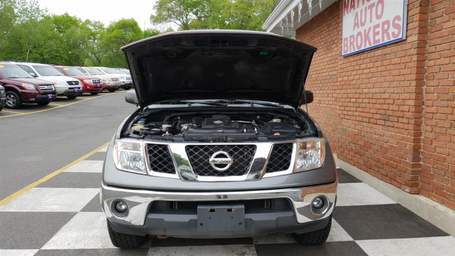 2007 Nissan Frontier 4WD King Cab Auto SE, available for sale in Waterbury, Connecticut   National Auto Brokers, Inc.. Waterbury, Connecticut