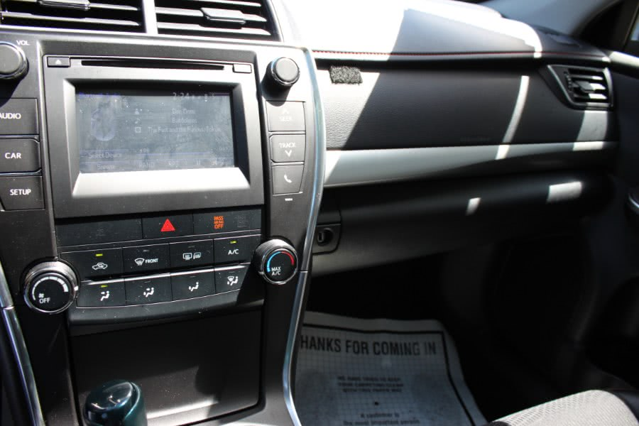 2016 Toyota Camry 4dr Sdn I4 Auto SE (Natl), available for sale in Bronx, New York | 26 Motors Corp. Bronx, New York
