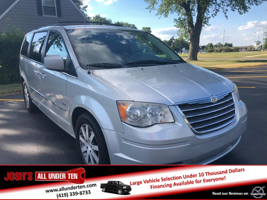 Used 2009 Chrysler Town & Country in Elida, Ohio | Josh's All Under Ten LLC. Elida, Ohio