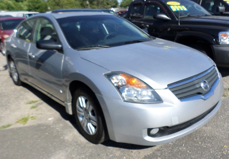 2008 Nissan Altima 4dr Sdn I4 CVT 2.5 SL ULEV, available for sale in Patchogue, New York | Romaxx Truxx. Patchogue, New York
