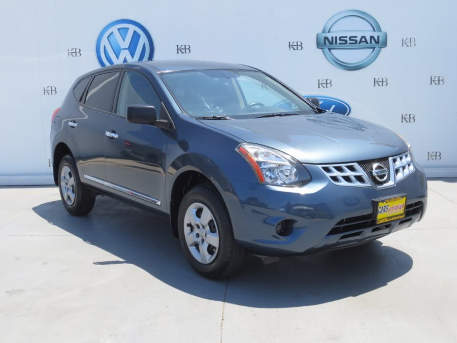 Used 2014 Nissan Rogue Select in Santa Ana, California | Auto Max Of Santa Ana. Santa Ana, California