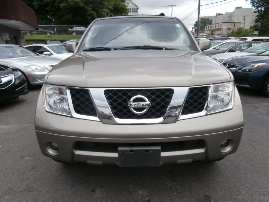 2007 Nissan Pathfinder 4WD 4dr SE, available for sale in Waterbury, Connecticut | Jim Juliani Motors. Waterbury, Connecticut