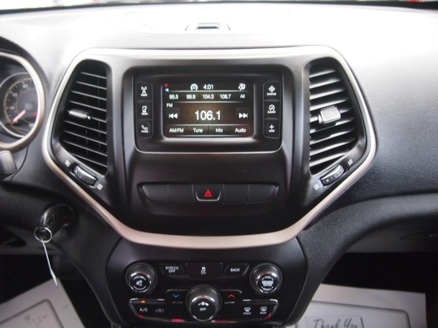 Used Jeep Cherokee 4WD 4dr Latitude 2014 | Hilario's Auto Sales Inc.. Worcester, Massachusetts
