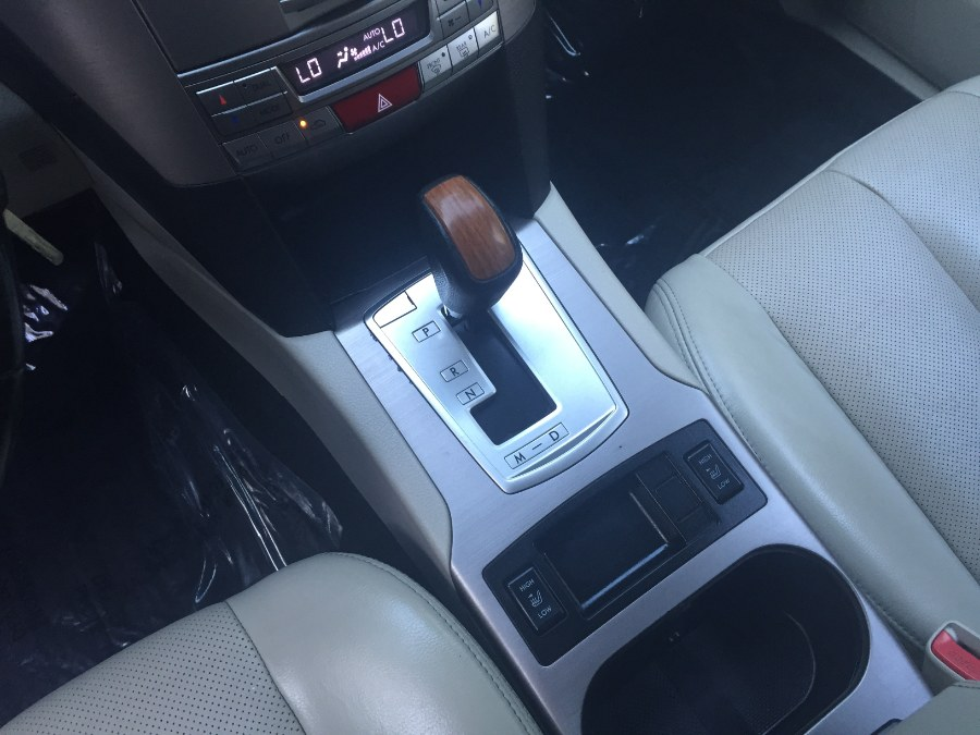 2013 Subaru Outback WgnH4AT 2.5 Lmt., available for sale in Bristol, Connecticut | Bristol Auto Center LLC. Bristol, Connecticut