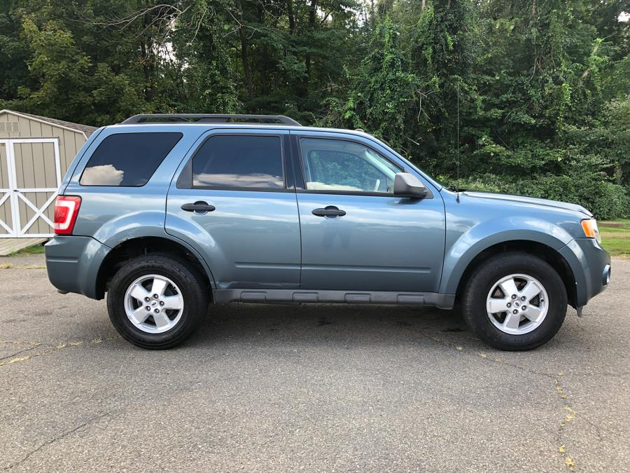 2010 Ford Escape FWD 4dr XLT, available for sale in Prospect, Connecticut | Rt 69 Auto Sales & Service. Prospect, Connecticut
