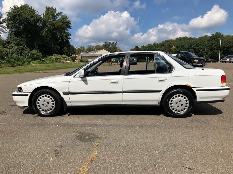 1992 Honda Accord 4dr Sedan LX Auto, available for sale in Prospect, Connecticut | Rt 69 Auto Sales & Service. Prospect, Connecticut