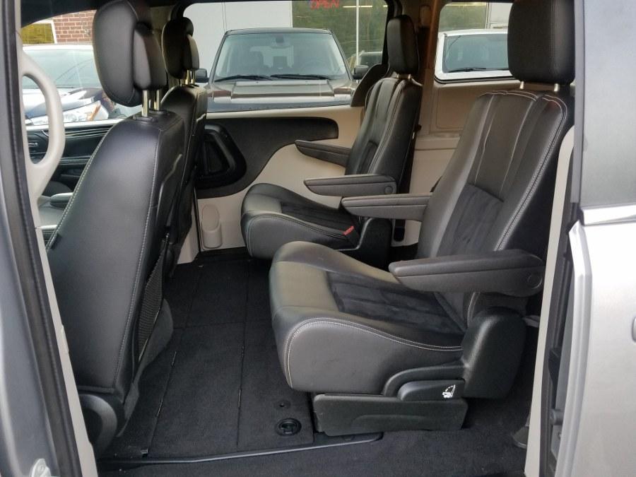 2018 Dodge Grand Caravan SXT Wagon, available for sale in East Windsor, Connecticut | Toro Auto. East Windsor, Connecticut