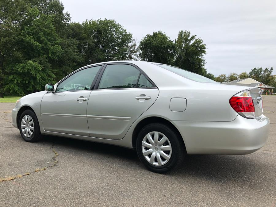 2005 Toyota Camry 4dr Sdn LE Auto (Natl), available for sale in Prospect, Connecticut | Rt 69 Auto Sales & Service. Prospect, Connecticut