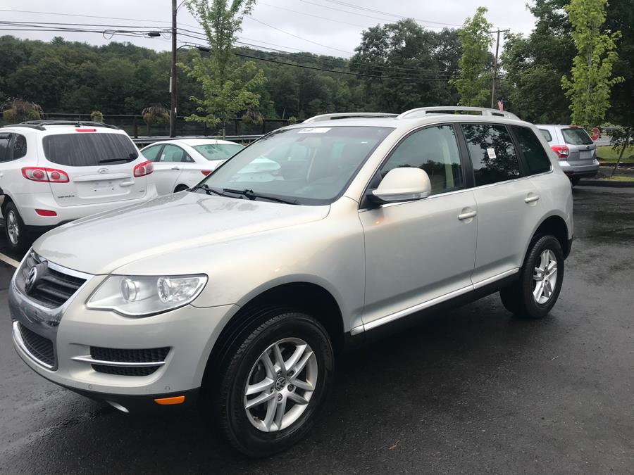 Used 2009 Volkswagen Touareg 2 in Canton, Connecticut | Lava Motors. Canton, Connecticut