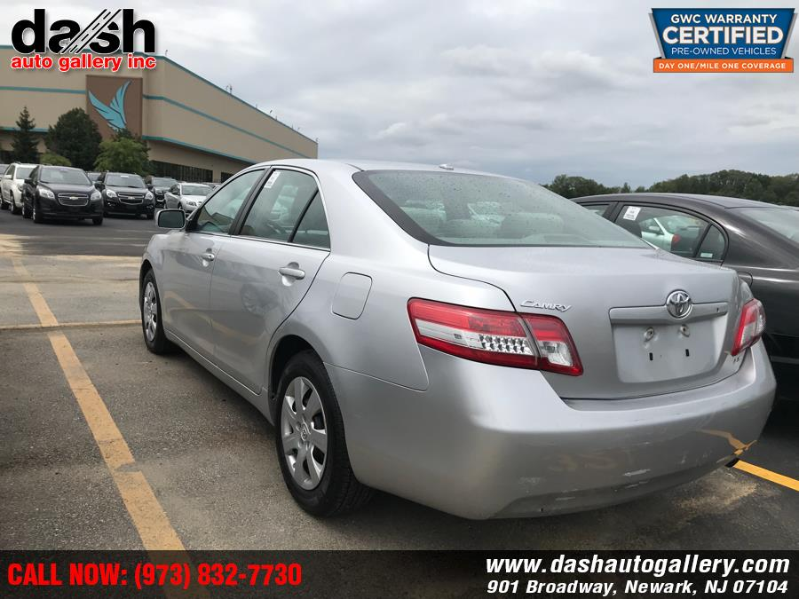 Used Toyota Camry 4dr Sdn I4 Auto LE (Natl) 2011 | Dash Auto Gallery Inc.. Newark, New Jersey