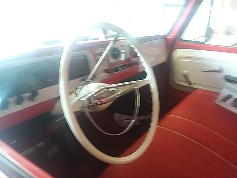 1965 GMC C20 111
