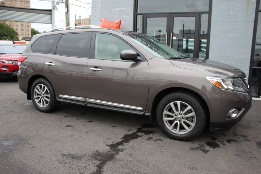 2015 Nissan Pathfinder 4WD 4dr S, available for sale in Bronx, New York | 26 Motors Corp. Bronx, New York