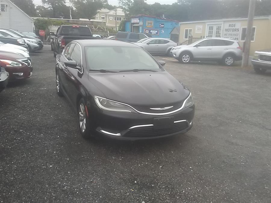 2015 Chrysler 200 4dr Sdn Limited FWD, available for sale in Shirley, New York | Roe Motors Ltd. Shirley, New York