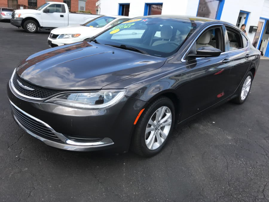 Used 2016 Chrysler 200 in Bridgeport, Connecticut | Affordable Motors Inc. Bridgeport, Connecticut