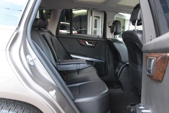 2014 Mercedes-benz Glk 350 4MATIC, available for sale in Paterson, New Jersey | Fast Track Motors. Paterson, New Jersey