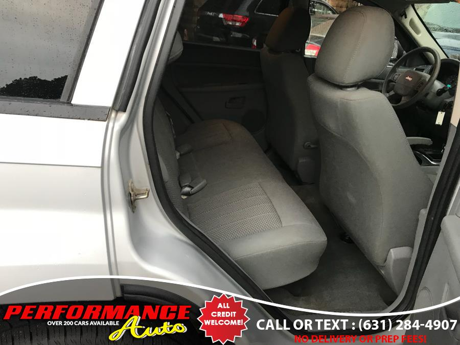 2005 Jeep Grand Cherokee 4dr Laredo 4WD, available for sale in Bohemia, New York | Performance Auto Inc. Bohemia, New York