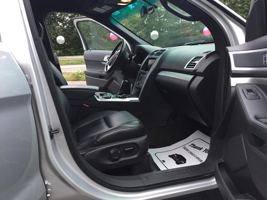 2013 Ford Explorer 4WD 4dr XLT, available for sale in Meriden, Connecticut | Five Star Cars LLC. Meriden, Connecticut