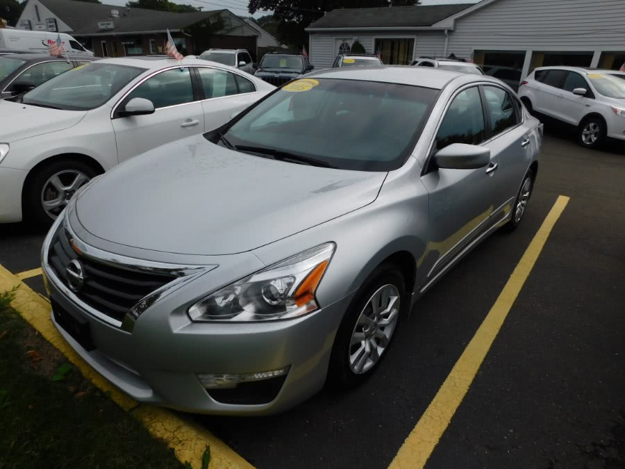 Used 2015 Nissan Altima in Clinton, Connecticut | M&M Motors International. Clinton, Connecticut