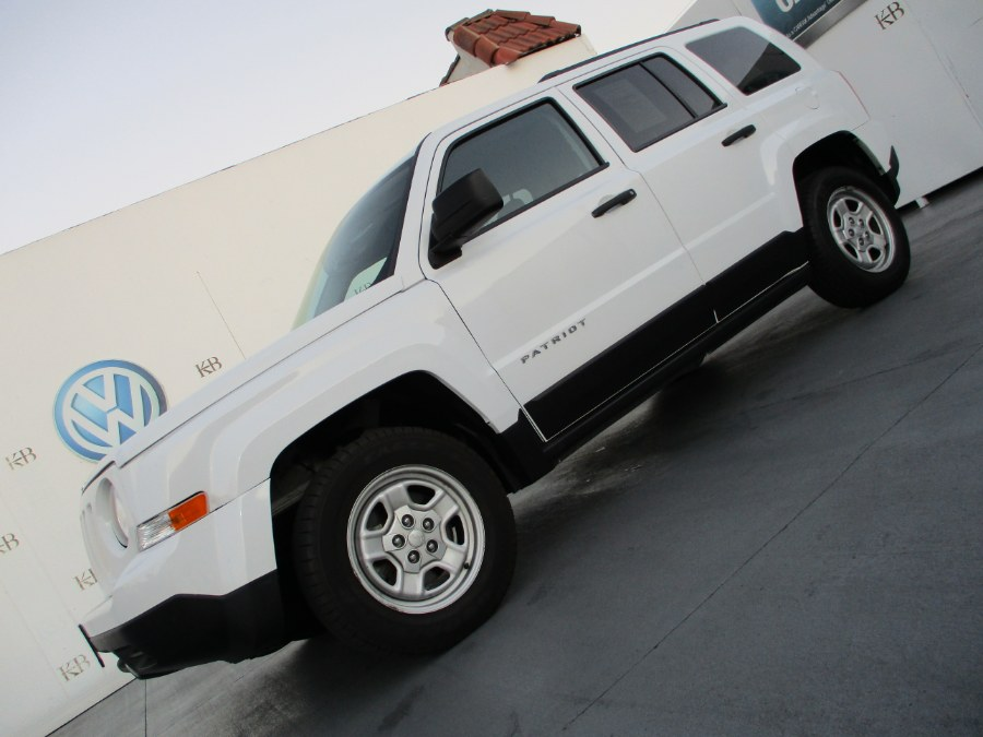 2016 Jeep Patriot FWD 4dr Sport, available for sale in Santa Ana, California | Auto Max Of Santa Ana. Santa Ana, California
