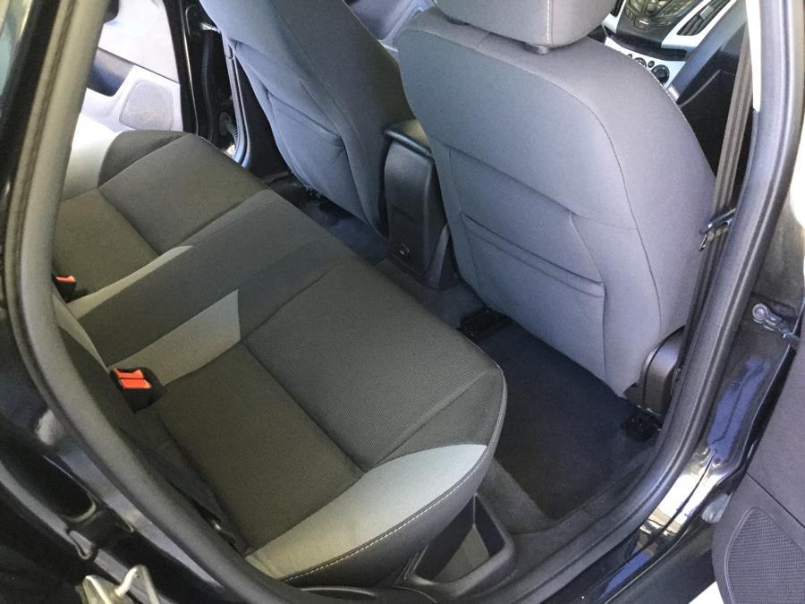 Used Ford Focus 4dr Sdn SE 2013 | L&S Automotive LLC. Plantsville, Connecticut