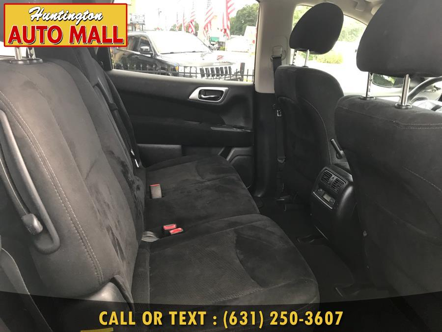 2015 Nissan Pathfinder 4WD 4dr S, available for sale in Huntington Station, New York | Huntington Auto Mall. Huntington Station, New York