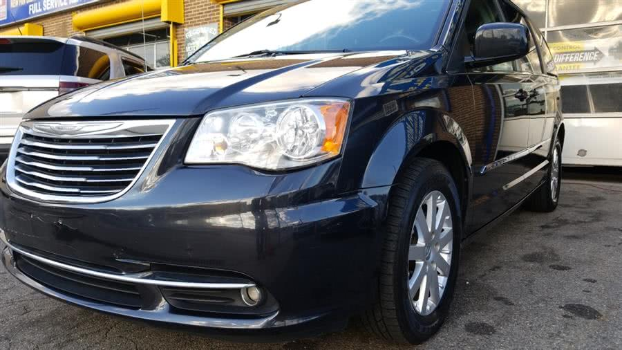 Used 2014 Chrysler Town & Country in Bronx, New York | New York Motors Group Solutions LLC. Bronx, New York