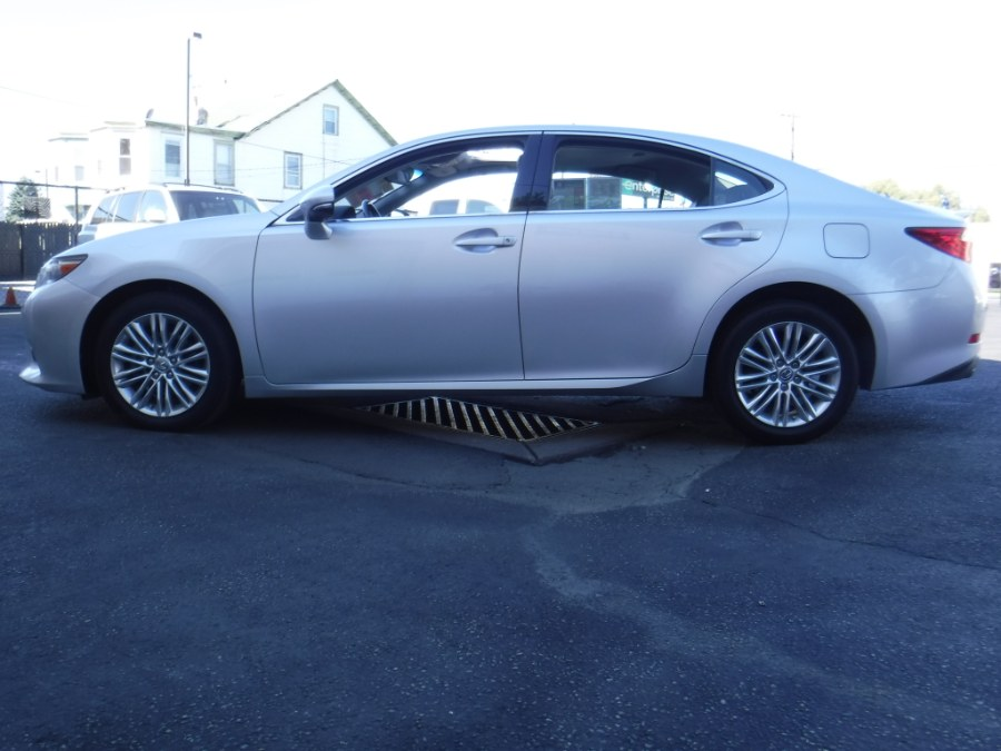 2013 Lexus ES 350 4dr Sdn, available for sale in Philadelphia, Pennsylvania | Eugen's Auto Sales & Repairs. Philadelphia, Pennsylvania