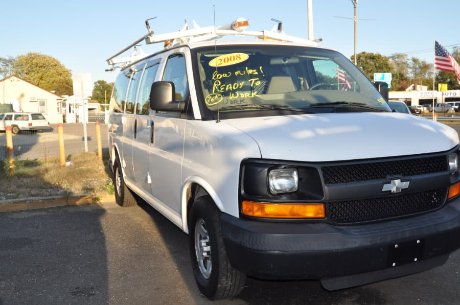 Used 2008 Chevrolet Express Cargo Van in Lindenhurst, New York | The Van Depot Inc.. Lindenhurst, New York