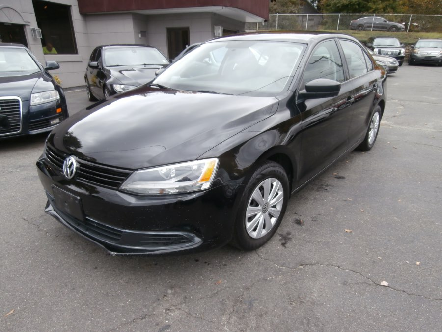 2013 Volkswagen Jetta Sedan 4dr Auto S *Ltd Avail*, available for sale in Waterbury, Connecticut | Jim Juliani Motors. Waterbury, Connecticut