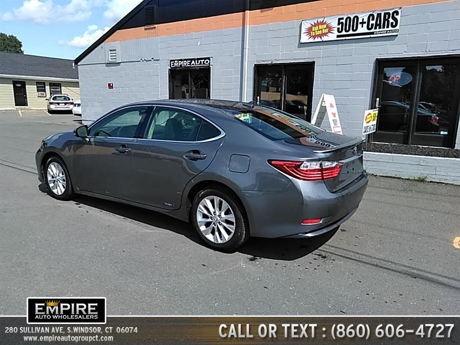2013 Lexus ES 300h 4dr Sdn Hybrid, available for sale in S.Windsor, Connecticut | Empire Auto Wholesalers. S.Windsor, Connecticut