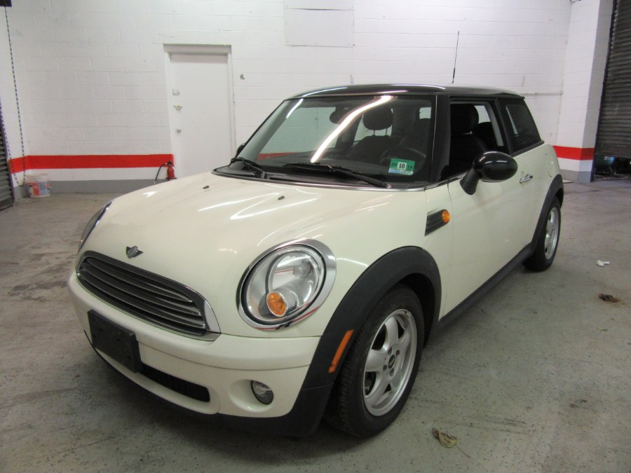2009 MINI Cooper Hardtop 2dr Cpe, available for sale in Little Ferry, New Jersey | Victoria Preowned Autos Inc. Little Ferry, New Jersey