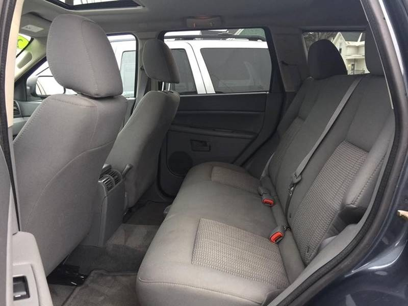 2007 Jeep Grand Cherokee 4WD 4dr Laredo, available for sale in Barre, Vermont | Routhier Auto Center. Barre, Vermont