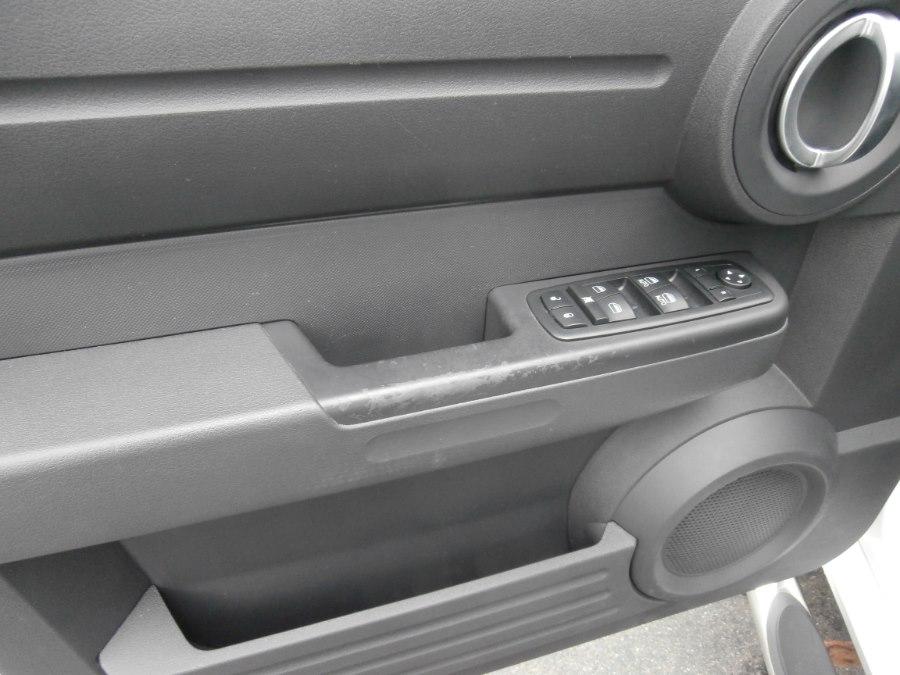 2011 Dodge Nitro 4WD 4dr Heat, available for sale in Waterbury, Connecticut | Jim Juliani Motors. Waterbury, Connecticut