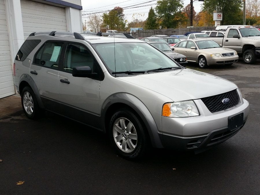 2006 Ford Freestyle SE AWD, available for sale in Berlin, Connecticut | Action Automotive. Berlin, Connecticut