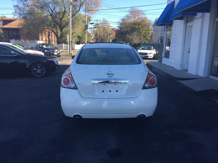 2012 Nissan Altima 4dr Sdn I4 CVT 2.5 SL, available for sale in Lindenhurst, New York | Rite Cars, Inc. Lindenhurst, New York