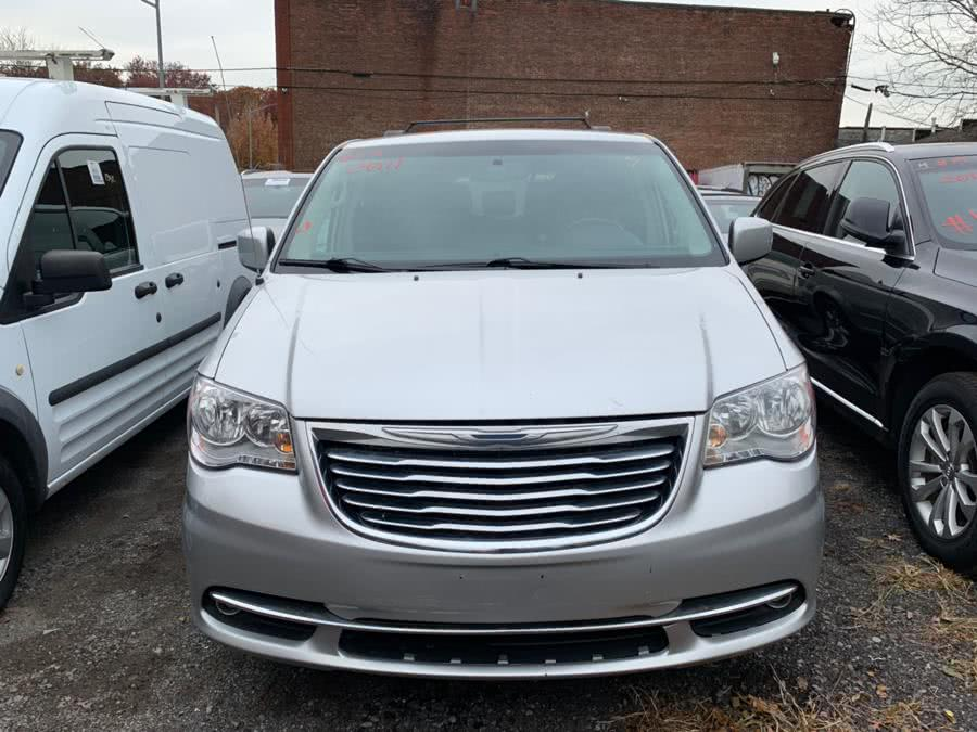Used 2011 Chrysler Town & Country in Brooklyn, New York | Atlantic Used Car Sales. Brooklyn, New York