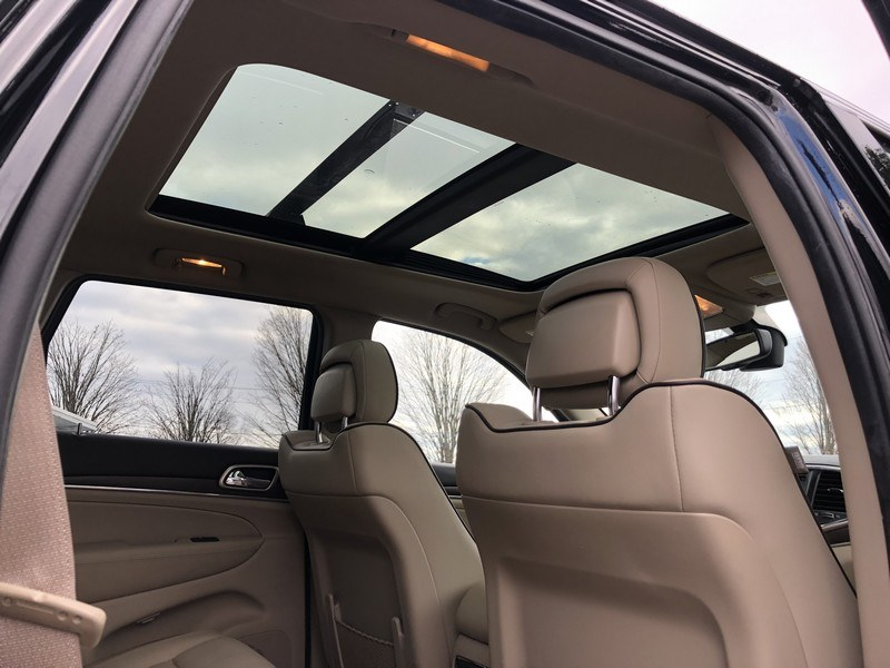 2015 Jeep Grand Cherokee 4WD 4dr Overland, available for sale in West Springfield, Massachusetts | Union Street Auto Sales. West Springfield, Massachusetts