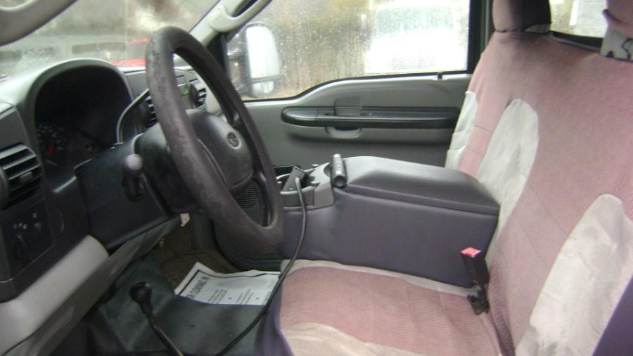 2005 Ford Super Duty F-350 DRW Crew Cab 176