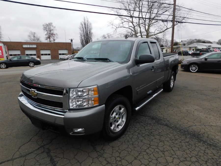 Used 2008 Chevrolet Silverado 1500 in Clinton, Connecticut | M&M Motors International. Clinton, Connecticut