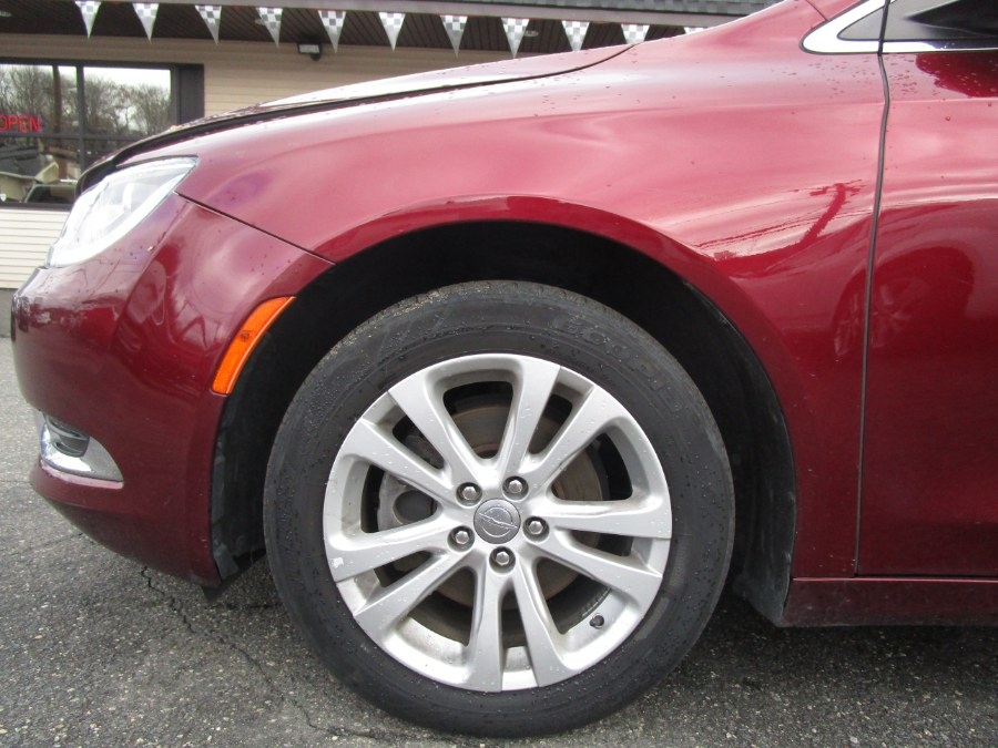 2015 Chrysler 200 4dr Sdn Limited FWD, available for sale in Waterbury, Connecticut | Tony's Auto Sales. Waterbury, Connecticut