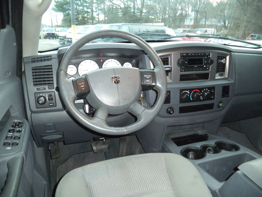 2006 Dodge Ram 1500 QUAD CAB 4WD 5,7L, available for sale in Berlin, Connecticut | International Motorcars llc. Berlin, Connecticut