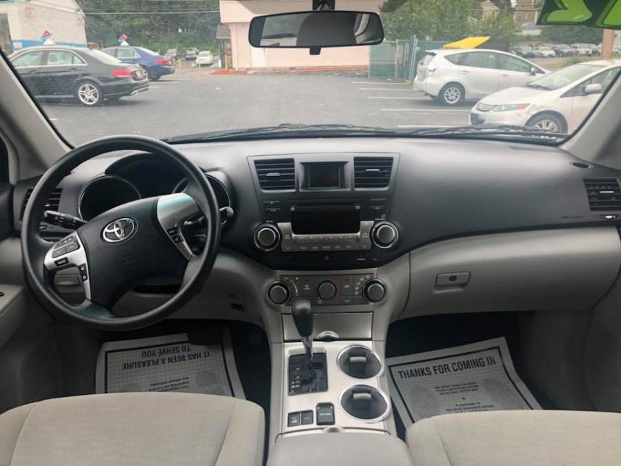 Used Toyota Highlander 4WD 4dr V6 (Natl) 2012   Capital Lease and Finance. Brockton, Massachusetts
