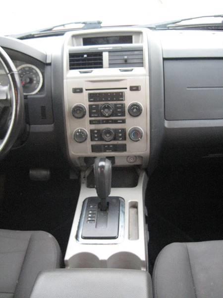 Used Ford Escape XLT 4dr SUV 2011 | Rite Choice Auto Inc.. Massapequa, New York