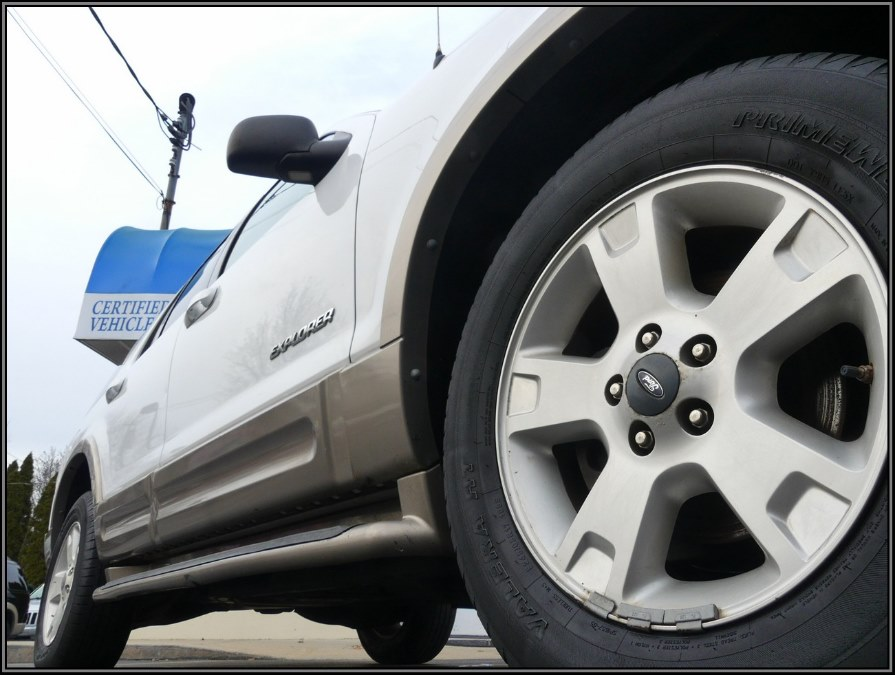 "Used Ford Explorer 4dr 114"" WB 4.0L Eddie Bauer 4WD 2004 