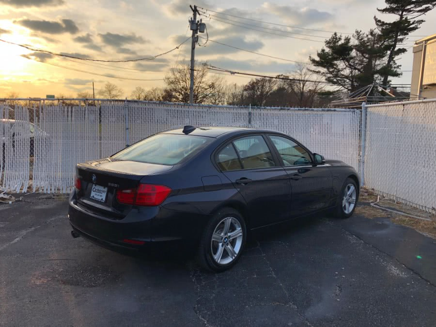 2013 BMW 3 Series 4dr Sdn 328i xDrive AWD SULEV, available for sale in Bayshore, New York | Carmatch NY. Bayshore, New York