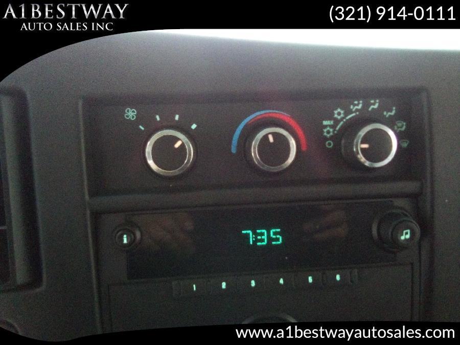 2011 Chevrolet Express Cargo Van RWD 1500 135