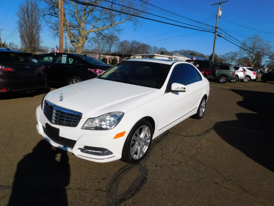 2013 Mercedes-Benz C-Class 4dr Sdn C300 Luxury 4MATIC, available for sale in Clinton, CT