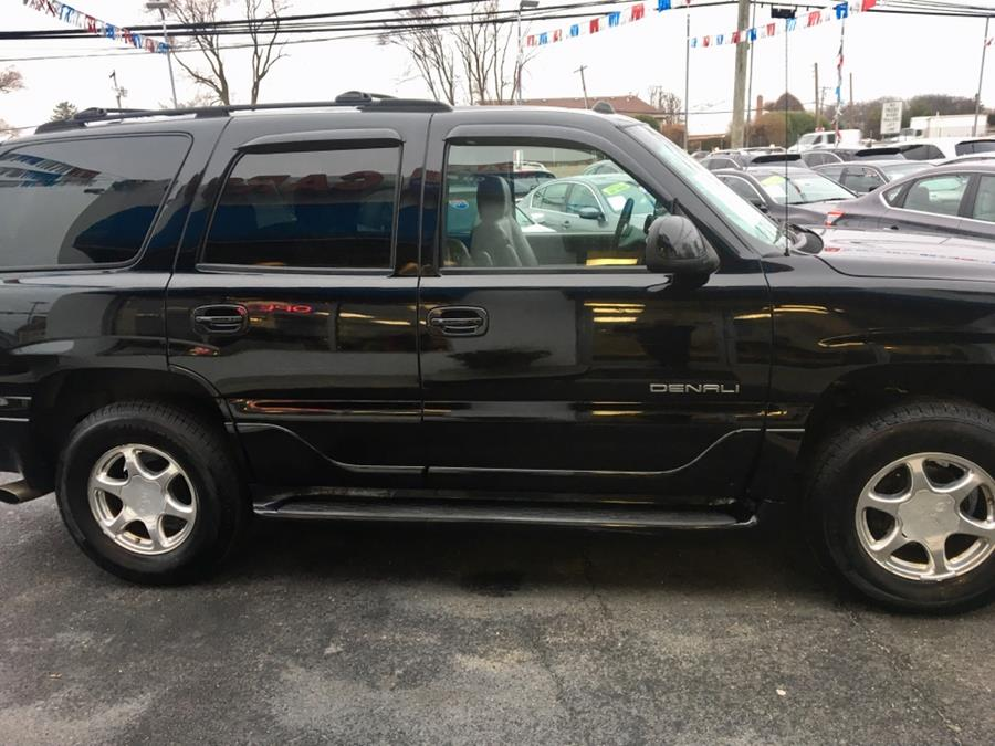 2004 GMC Yukon Denali 4dr AWD TMU, available for sale in Lindenhurst, New York | Rite Cars, Inc. Lindenhurst, New York