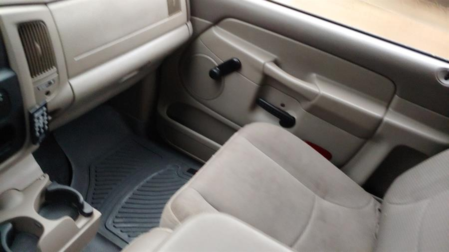"""2004 Dodge Ram 2500 2dr Reg Cab 140.5"""" WB 4WD ST, available for sale in Ansonia, CT"""