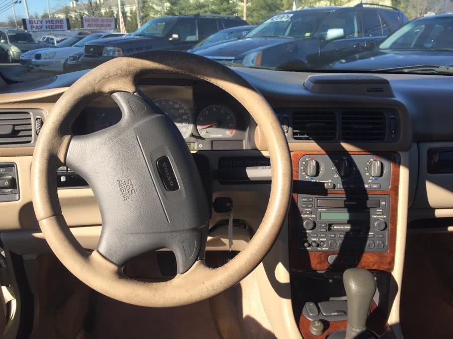 Used 2000 Volvo C70 in West Babylon, New York | Boss Auto Sales. West Babylon, New York